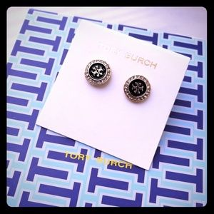 BNWT Tory Burch blk gold earrings round
